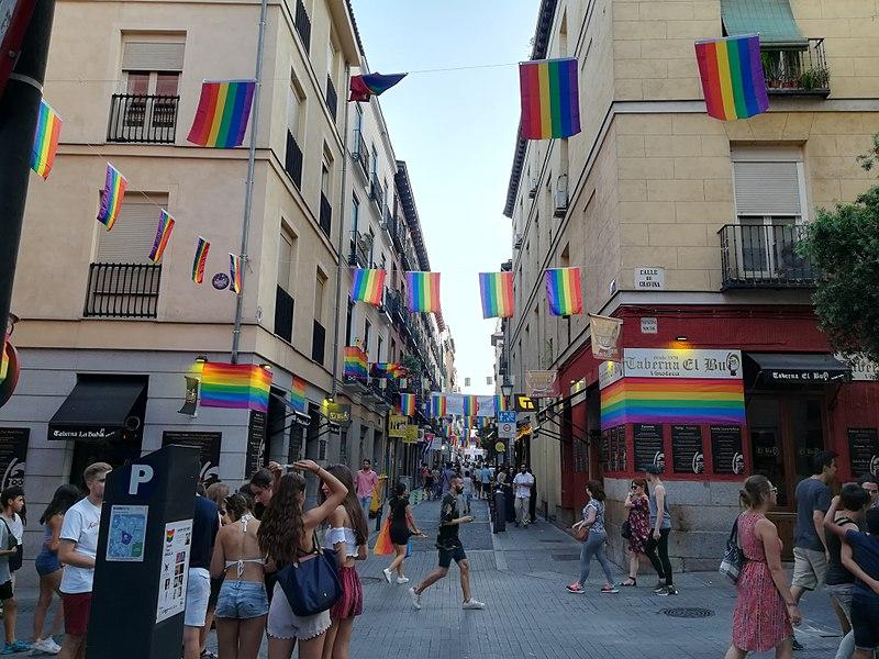 avis-barrios-gay-2