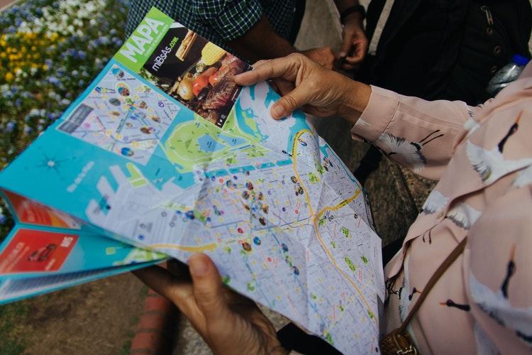 Tips de viaje: aprovecha los folletos de tu destino