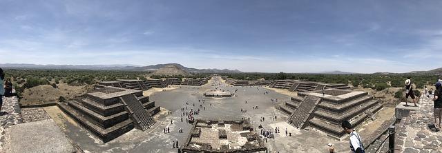 Equinoccio de primavera en Teotihuacán.