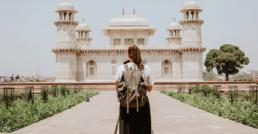 Mujer viajera por Ibrahim Rifath