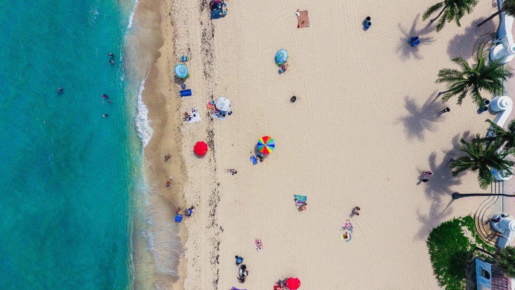 Playa en Fort Lauderdale para vacaciones de semana santa.
