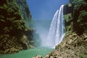 Cascada de Tamul en San Luis Potosí.