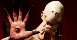 Hombre pálido, monstruo de Guillermo del Toro.