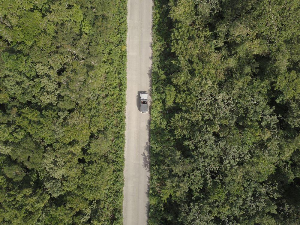 Vista aérea de un road trip por el caribe.