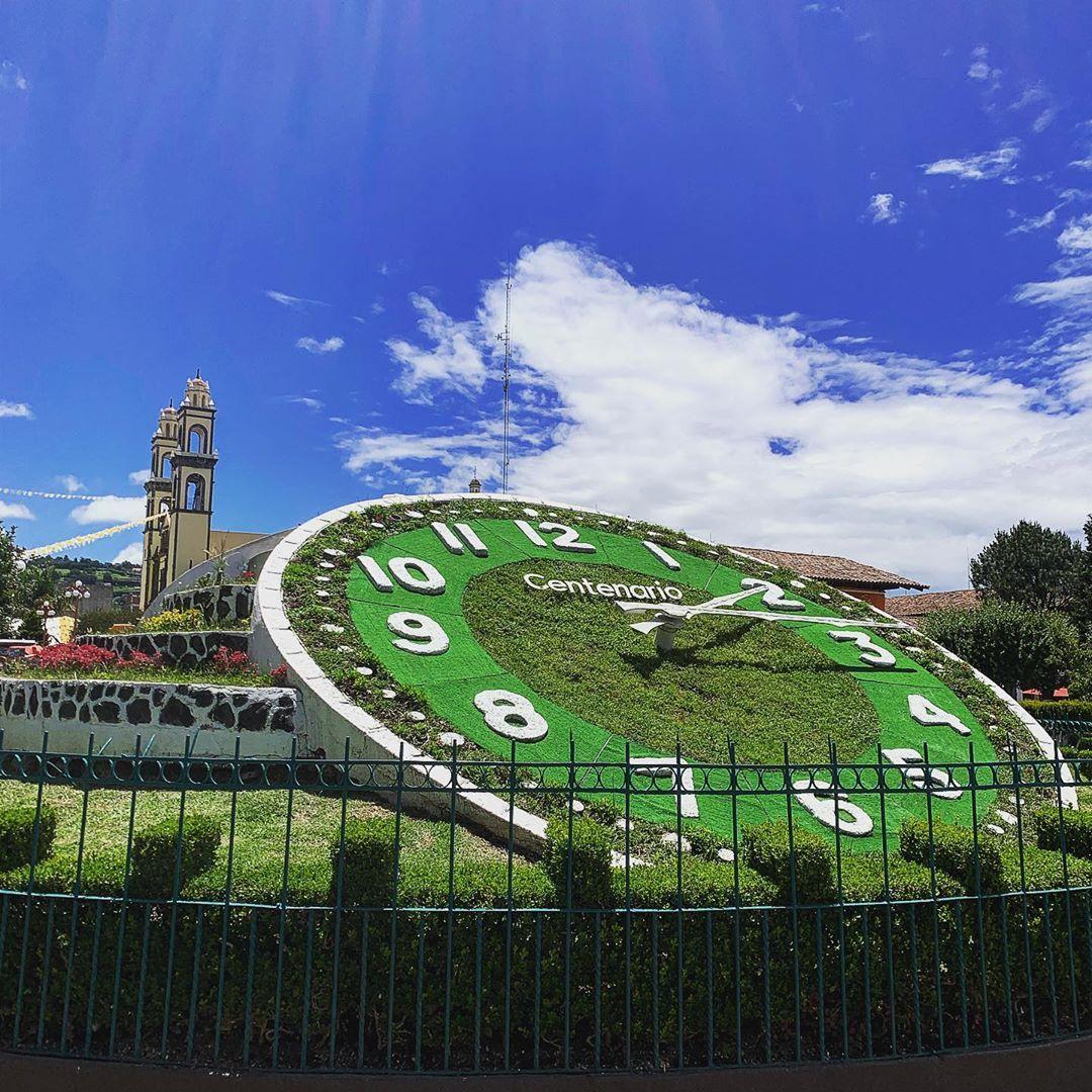 Reloj floral de Zacatlán.