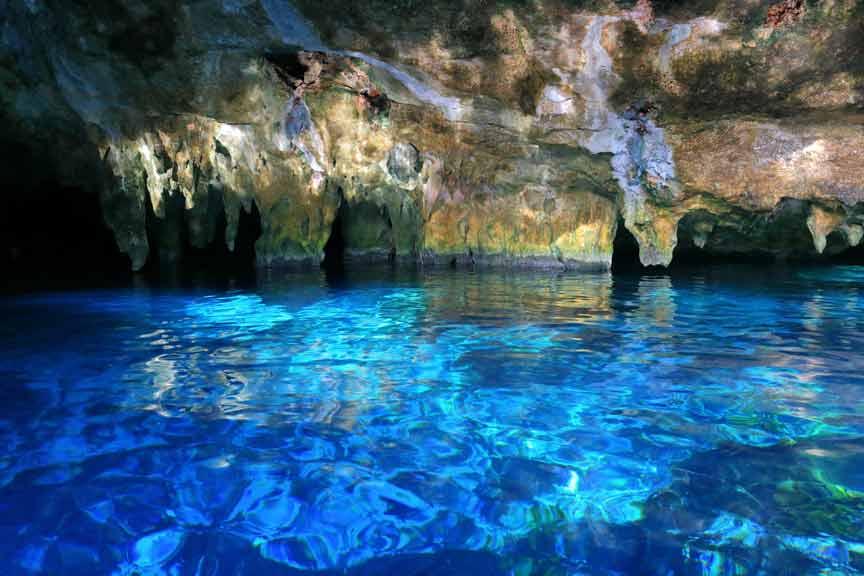 Cenotes abiertos y semiabiertos