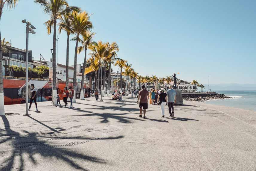 Avis renta de autos, Roadtrip a Puerto Vallarta y Nuevo Vallarta, centro y malecón