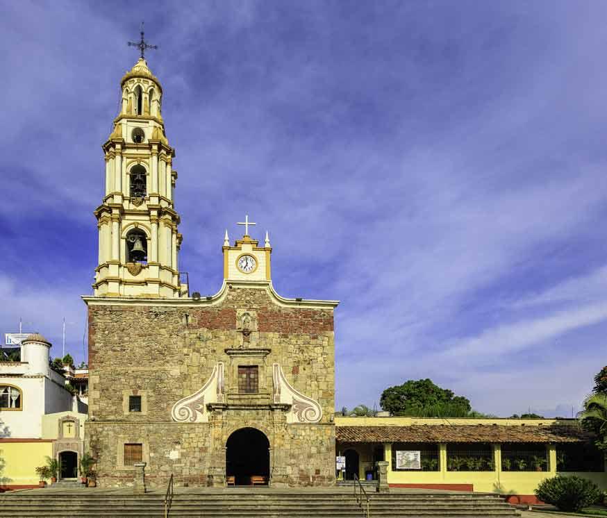 Visita la ribera de Chapala y conoce la pintoresca Parroquia de San Andrés en Ajijic